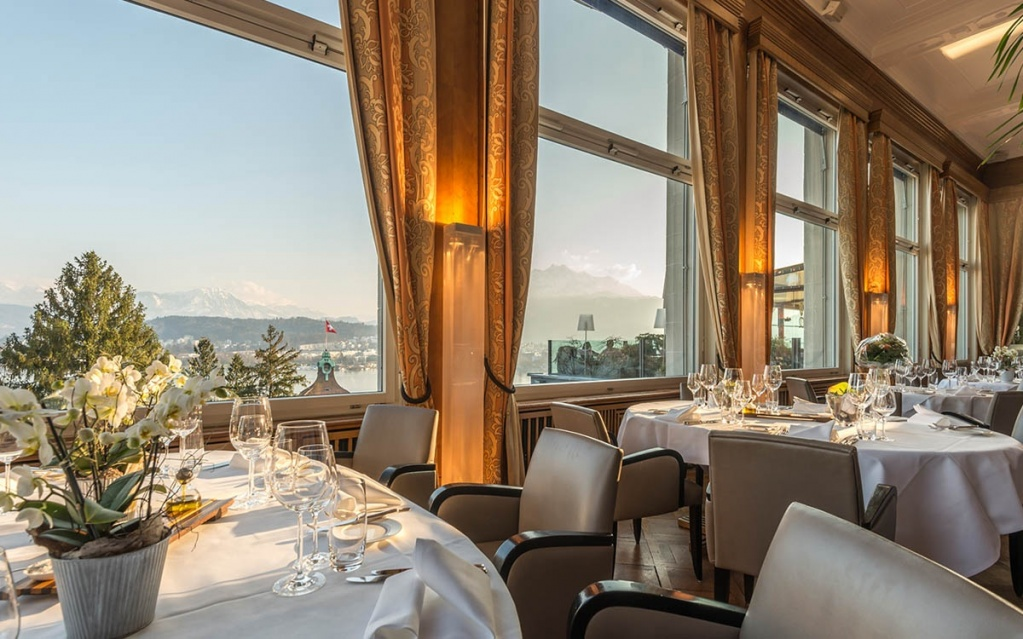 Penthouse spa superior suite 606 montana art deco hotel Art deco penthouse